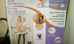 BABY SAFETY GATE FOR SALE @R450 BRAND NEW IN BOX
