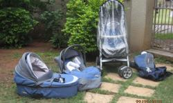 Baby pram with carry cot/bassinet, removable seat and