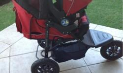 Red Chelino - Sport Runner and car seat; excellent for