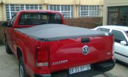 We supply tonneau / bakkie covers to fit any roll bar