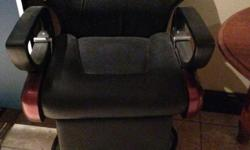 Black Barber Shop chair. Perfect condition!!!