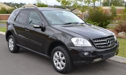 Beautiful Mercedes-Benz ML350 Automatic in black with