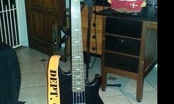 YAMAHA BB415 BASS GUITAR for sale. R5000. Mint