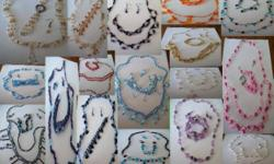 Beskrywing We sell all kinds of bead juwellery. The