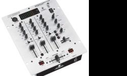 Soort: Behringer 3 channel mixer i am selling Behringer