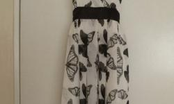 Black and white summer dress size 10 in very good