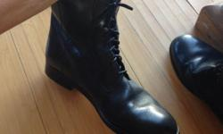 Barely worn size 7 ladies boots. Bought in London.