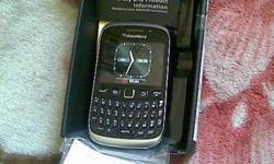 Excellent condition Blackberry 9320 comes with box and