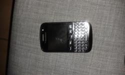 black blackberry 9720 still in good condition, I'm