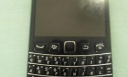 Selling a BlackBerry Bold 9790. Selling it for R700. It