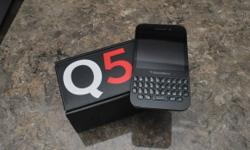 Hi i have a 1 month old mint condition Blackberry q5