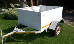 BOX TRAILER FOR SALE, NEEDS NEW FLOOR AND HAS AN EARTH