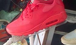 Brand new Nike Airmax from R900 to R1100 BBM Pin is