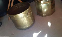 Two brass pots for sale 42x36cm and 40x36cm! Can
