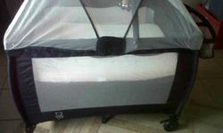 Soort: Furniture Soort: Cots Navy blue camp cot, with
