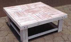 Stunning Glazed Coffee table. DIMENSIONS Square: 1090mm