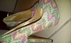 Size 4 colourful vintage look heels. Unwanted gift. The