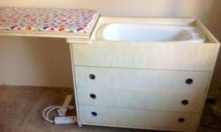 Compactum for sale R1000.00 with bath and 3 draws