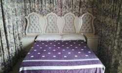 Good as new bedroom set : double bed, 2 wardrobes, 2
