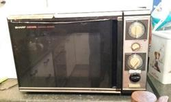 Sharp Carousel / Convection Microwave oven. Large
