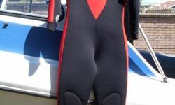 "Beskrywing ""CORAL "" FULL WETSUIT. SIZE M. IN IMMACULATE"
