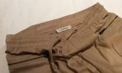 Stunning Country Road Khaki trousers for sale. Zip