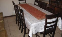 Dining Room Table 6 to 8 Seater Extendable. NB!!! Table