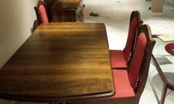 Hi , I am selling my dining room table +4 chairs +