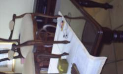 Beskrywing I am selling my dining room table set which
