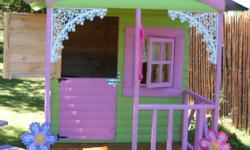 Beskrywing We make any size and type of doll house /