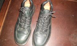 Dr Martens shoes hardley used. looks like a new pair of