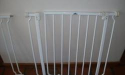 Dream Baby safety gate with one extension for sale in