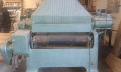 Drum sander with 3 drums. Good working condition