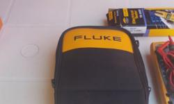 Fluke True RMS Multimeter 177 Backlight, voltage ac and