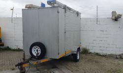 Enclosed trailer with spare wheel, all round good