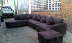 Beskrywing WE ARE SELLING SUEDE COUCHES AT FACTORY