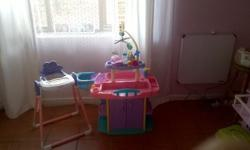 Baby feeding chair and Compactum Set. R300