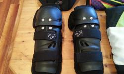 Fox Knee Guards in good condition, very comfy