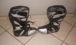 FOX Motocross boots size 10, not used much.
