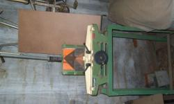 HAND OPERATING PICTURE FRAMING GUILLOTINE (ORTEGUIL