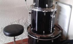 Complete Drum set Black and silver  Only been used