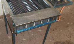 gas braai - 4 burners and a 2 pot gas stove. can also
