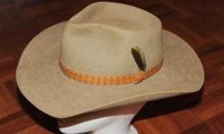 I hate to let this Akubra hat go but it does not fit me