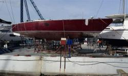 GOOD DEAL!!! 43 ft Gitana fast cruiser for refit for