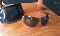 Second hand, original GUCCI sunglasses with pouch. In