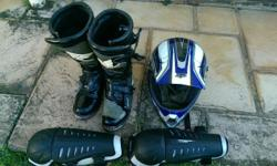 Fox medium helmet fly boots size 12 & Fox knee guards