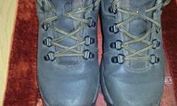 Size 6 Hi-Tec Lady Wyoming hiking boots. Warn only a