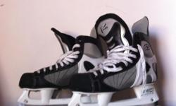 Beskrywing CCM TACKS 152 ice skates size 9 used max 3