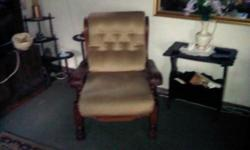 Beskrywing Imbuia: 2x2 Sofa and 2 single chairs R2500,