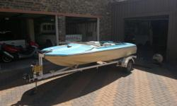 Beskrywing Boat and Trailer for sale boat needs